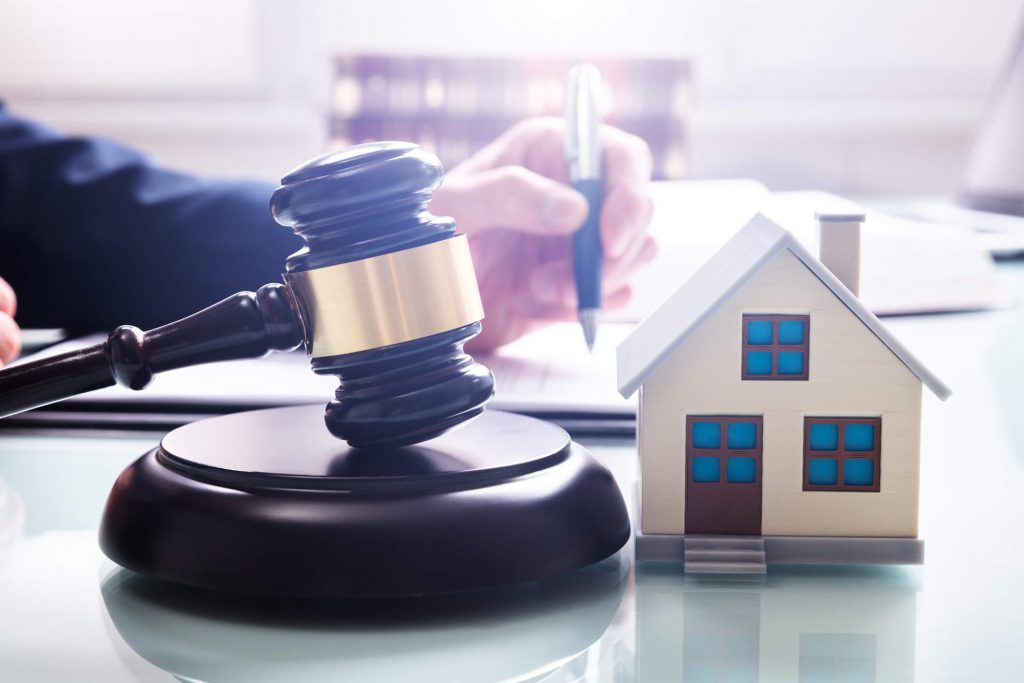 fort walton beach property manager reading landlord laws